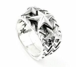 4355_cody_sanderson_sterling_silver_handstamped_star_ring_alt-6_1024x1024