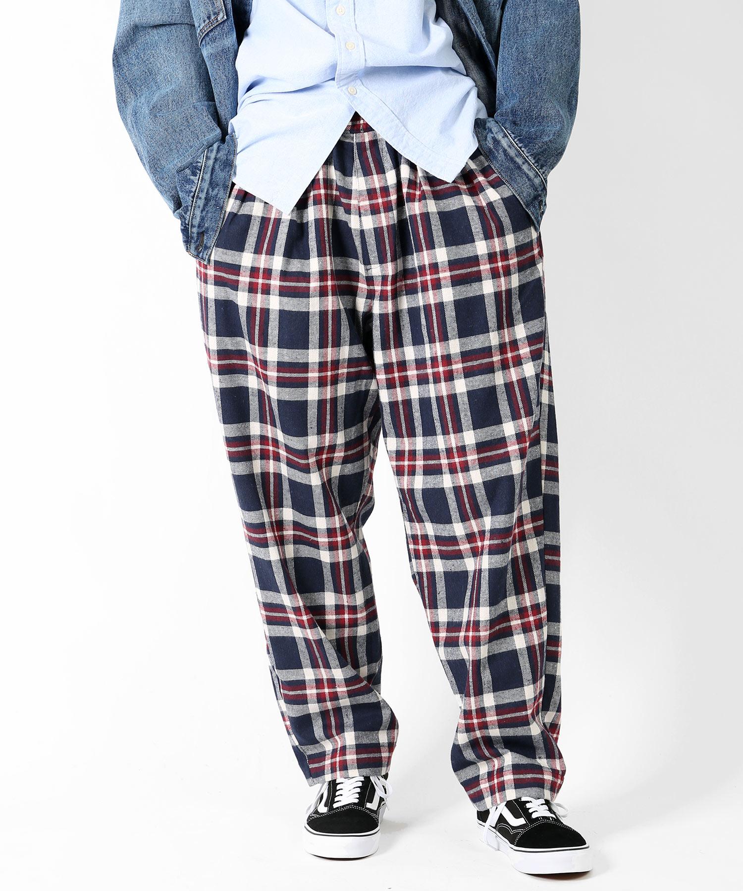嵐 二宮和也さんが2/1 VS嵐で着用した衣装のFREAK'S STORE チェックバギーパンツ