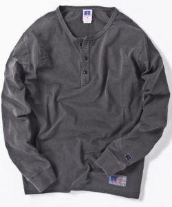 二宮和也さん主演ドラマ、ブラックペアンで着用した衣装 RUSSELL ATHLETIC×SHIPS: 別注 ユーズド加工 ヘンリーネック ロングTシャツ