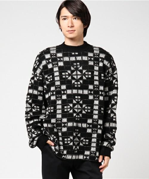 SPA 11/28 NEWSの増田貴久さんが着用した衣装のglamb kilim knit