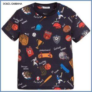 有岡大貴さんヒルナンデス着用の衣装・Dolce&Gabbana★Boys Blue SportsバッジTシャツ