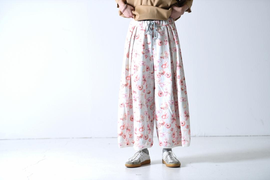 二宮和也 VS嵐 4/4 衣装 sneeuw ボタニカルプリントドローワイドパンツ flower