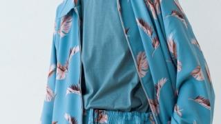 渡辺翔太  Snow Man MORE 2020年10月号 衣装 ブルゾン UMBER アンバー シナモンロール シナモロール ターコイズブルー ブルゾン 羽柄