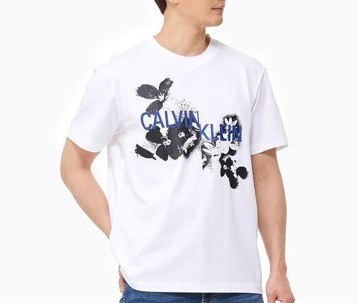 宮舘涼太 ラヴィット 衣装 Snow Man Calvin Klein HYBRID+ FLORAL LOGO RELAXED TEE